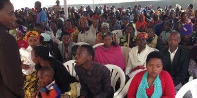 Crowds overwhelm 3 free clinics in Rwanda