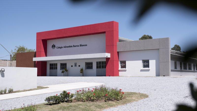 Volunteer constructed school opens in Uruguay :: Adventist News Network